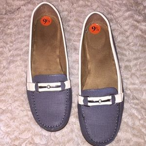 Aerosoles loafers, great for work or play!